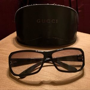 Classic over sized sun glasses by Gucci